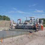 Tallinnas tutvustatakse betoonteede ehitamise masinaid